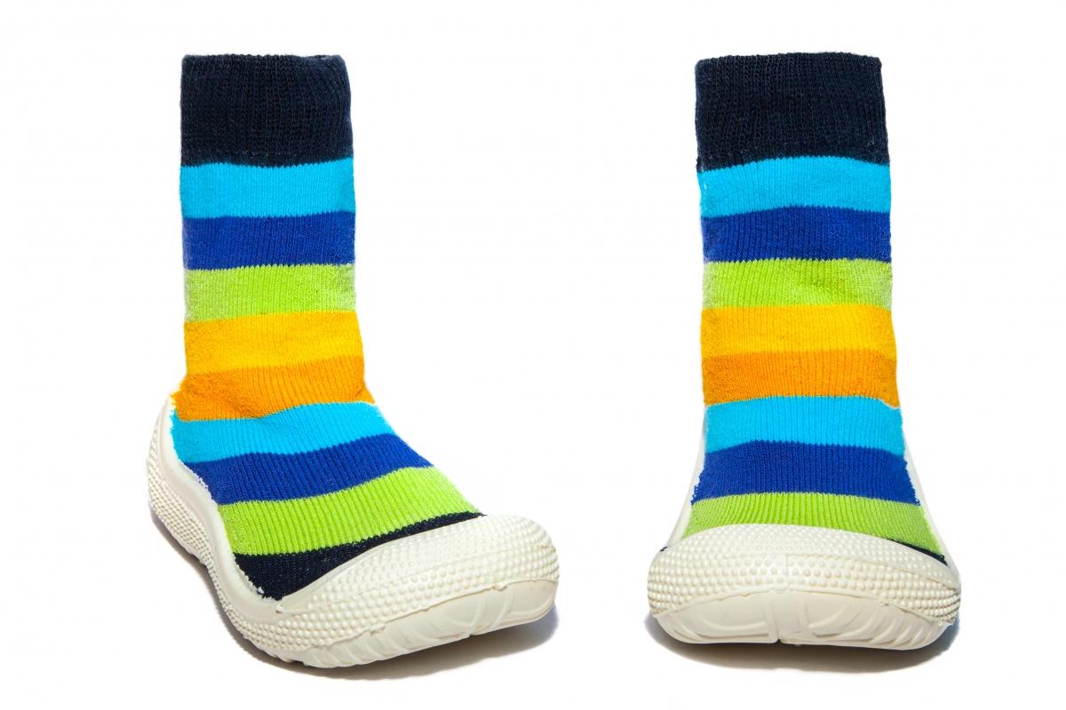 Incaltaminte copii de interior flexibila dungi blu galben 22-30