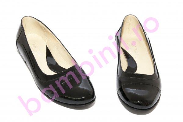 Pantofi balerini fete piele 026.8 negru lac 34-41