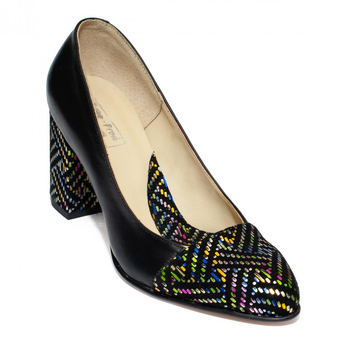 Pantofi cu toc dama 544.1 negru pipit color 33-40