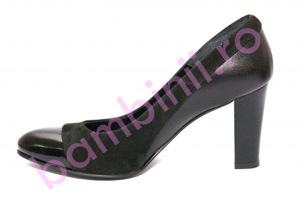 Pantofi dama cu toc 952.1 negru lac varf 34-41