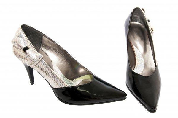 Pantofi dama cu toc din piele 725 negru lac 35-40