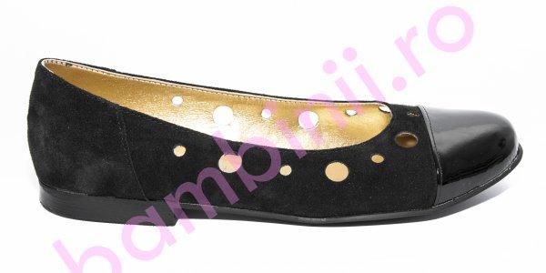 Pantofi dama piele perforati 46 negru lac