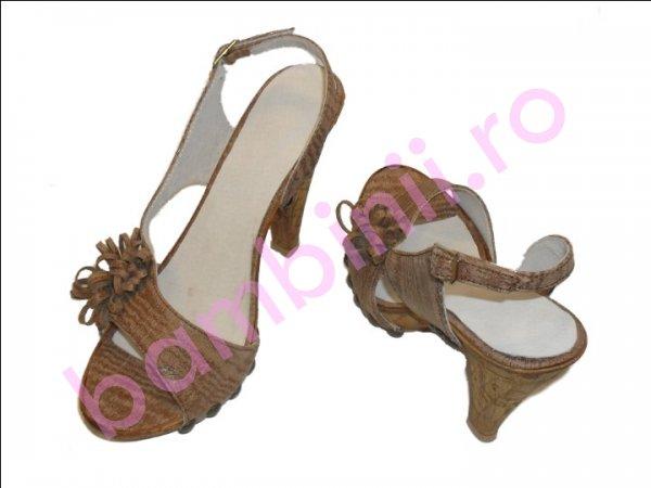 Sandale cu toc dama maro