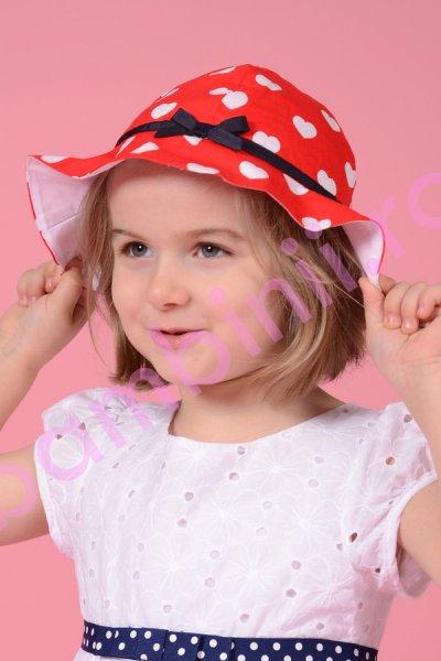 Palarie fete rosie cu inimioare albe 304