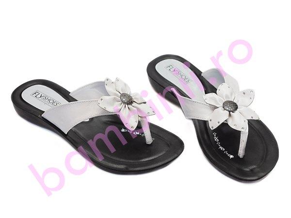 Papuci dama 23 alb negru